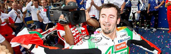 biaggi-2010-world-champ-s