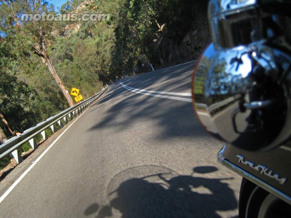 harley2011_road-king_road-king-road