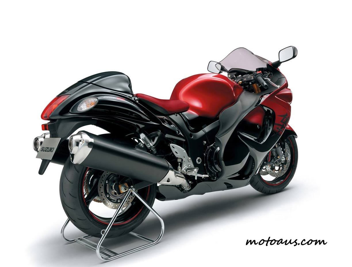 2014-red-limited-busa-rear1