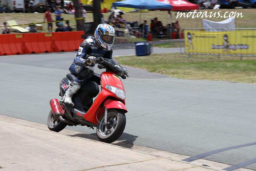 scooter_leminz-2012_kerb-berm